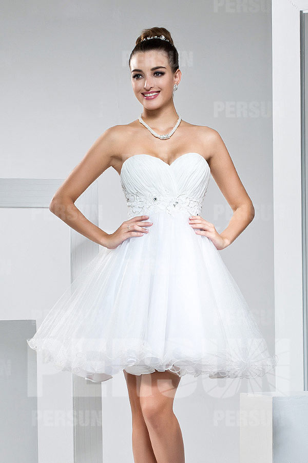 611fe5d7555a Petite robe blanche bustier coeur empire à jupe évasée - Persun.fr