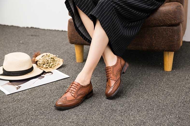 chaussure femme derbies vintage à lacets style baroque