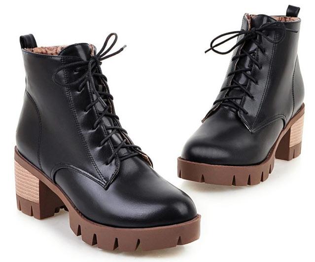 bottes de combat noire à lacet chic pour hiver