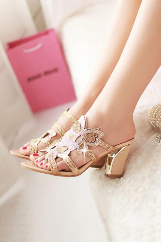 sandales à enfiler dorée à talon embelli de strass de papillon