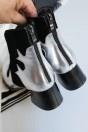 Bottines noires et argentées à talons épais bout pointu avec zip derrière