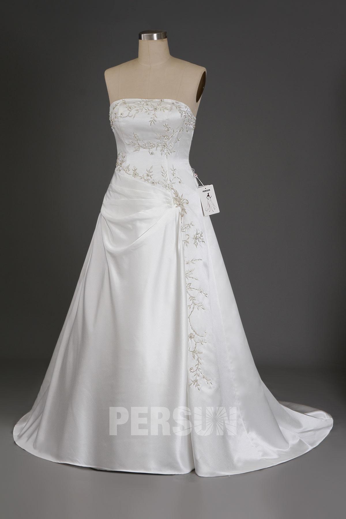 Robe de mariée à traîne Court Ligne A bustier droit en satin avec applique