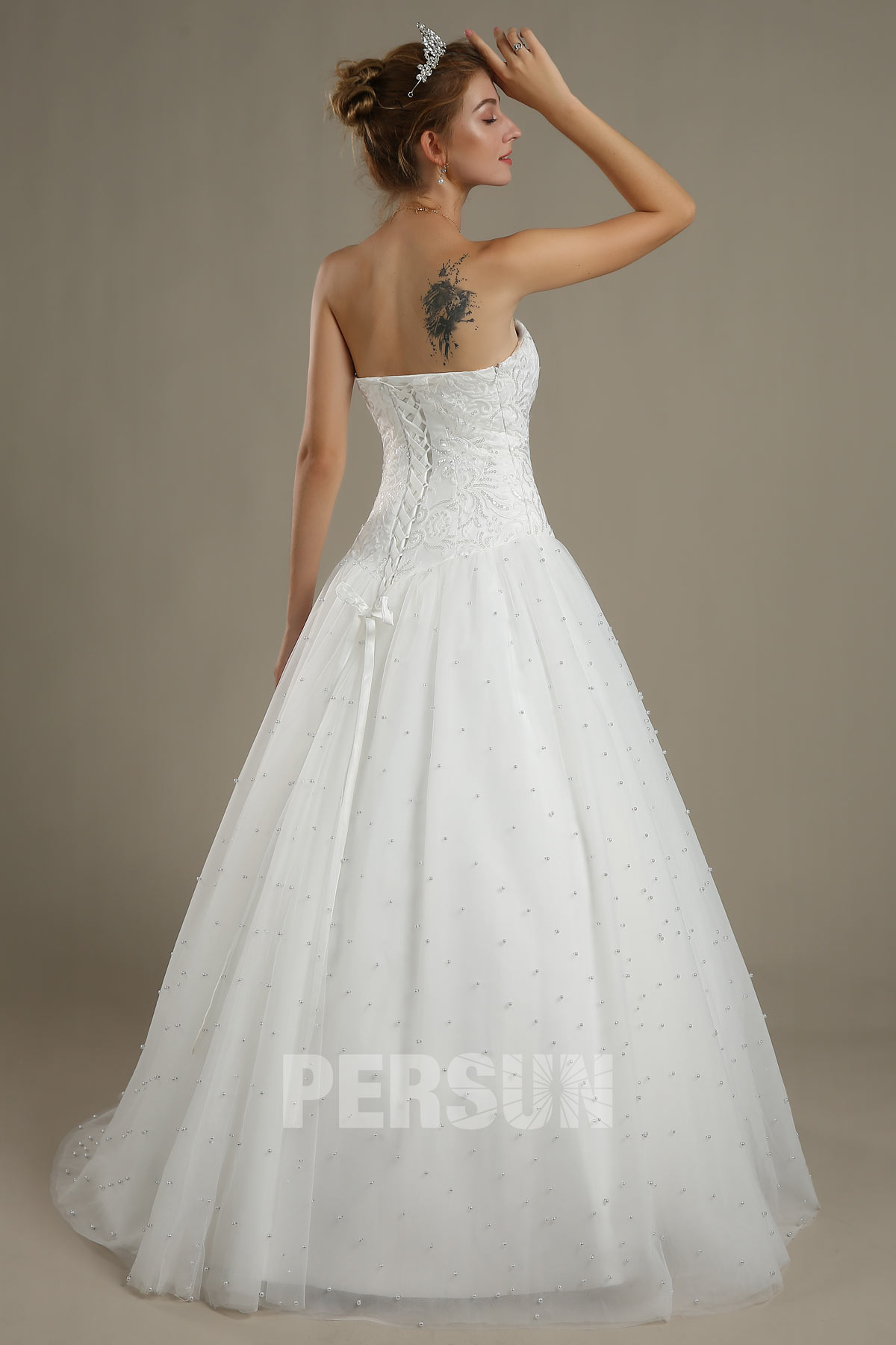 robe de mariée princesse bustier coeur embelli de perles