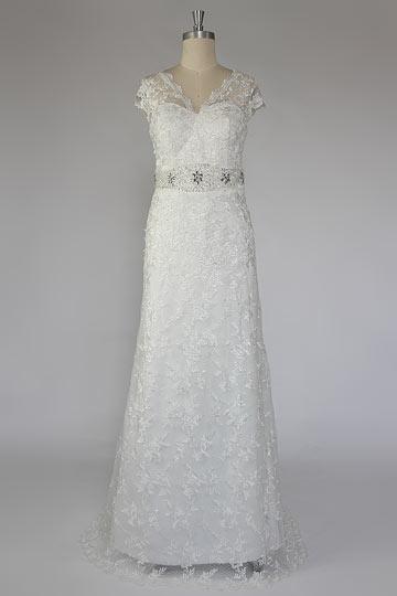 Robe de mariée en dentelle brodée bustier coeur à traîne Cour bustier