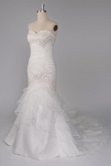 robe de mariée sirène bustier coeur embellie de strass