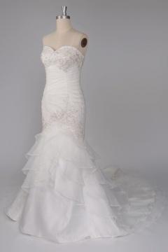 Robe de mariée sirène à traîne Court ruchée sans bretelle