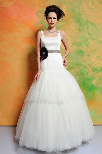 Chic robe mariage avec ceinture & fleur bloc couleur