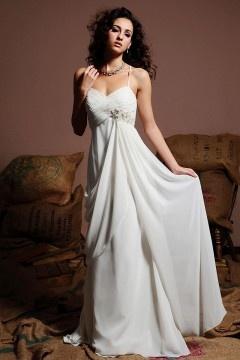 Robe mariée à taille Empire avec bretelle fine
