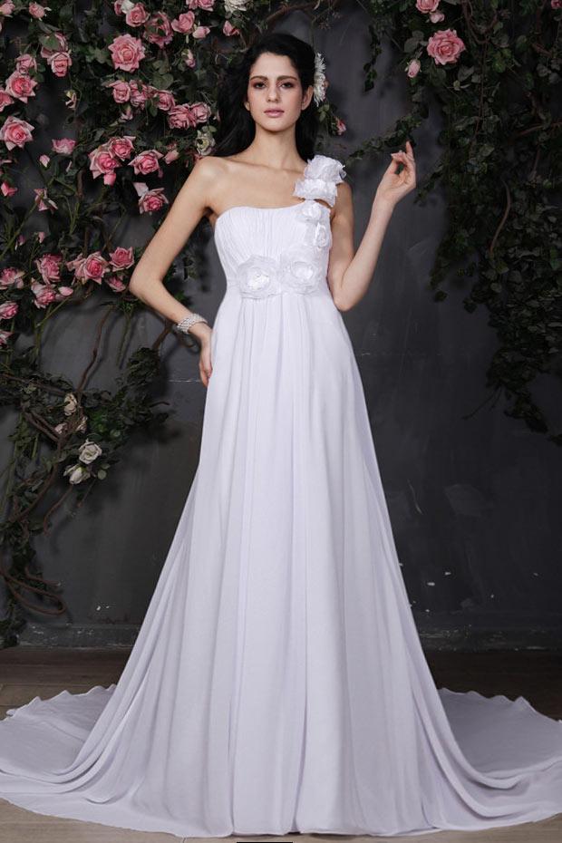 robe de mariée empire boho asymétrique ornée de fleur avec traîne chapelle