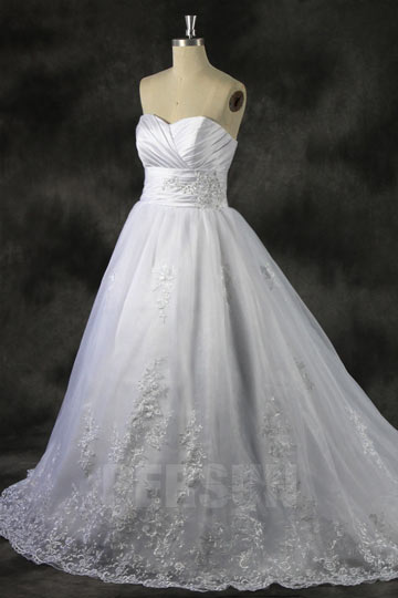 Robe mariage princesse bustier coeur à jupe appliquée et bustier