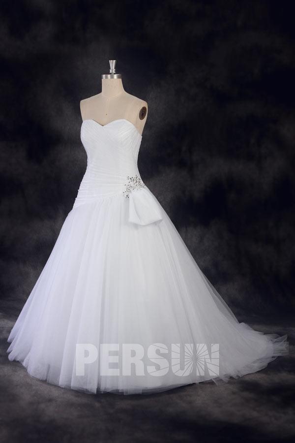 Robe de mariée princesse en tulle ornée de sequins à la hanche