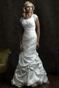 Vintages Meerjungfrau Brautkleider aus Satin mit Ärmeln
