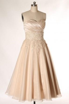 Robe de mariée champagne mi longue à bustier cœur