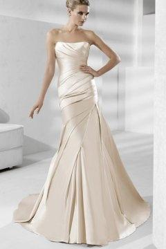 Robe de mariée plissée sirène sans bretelle en satin