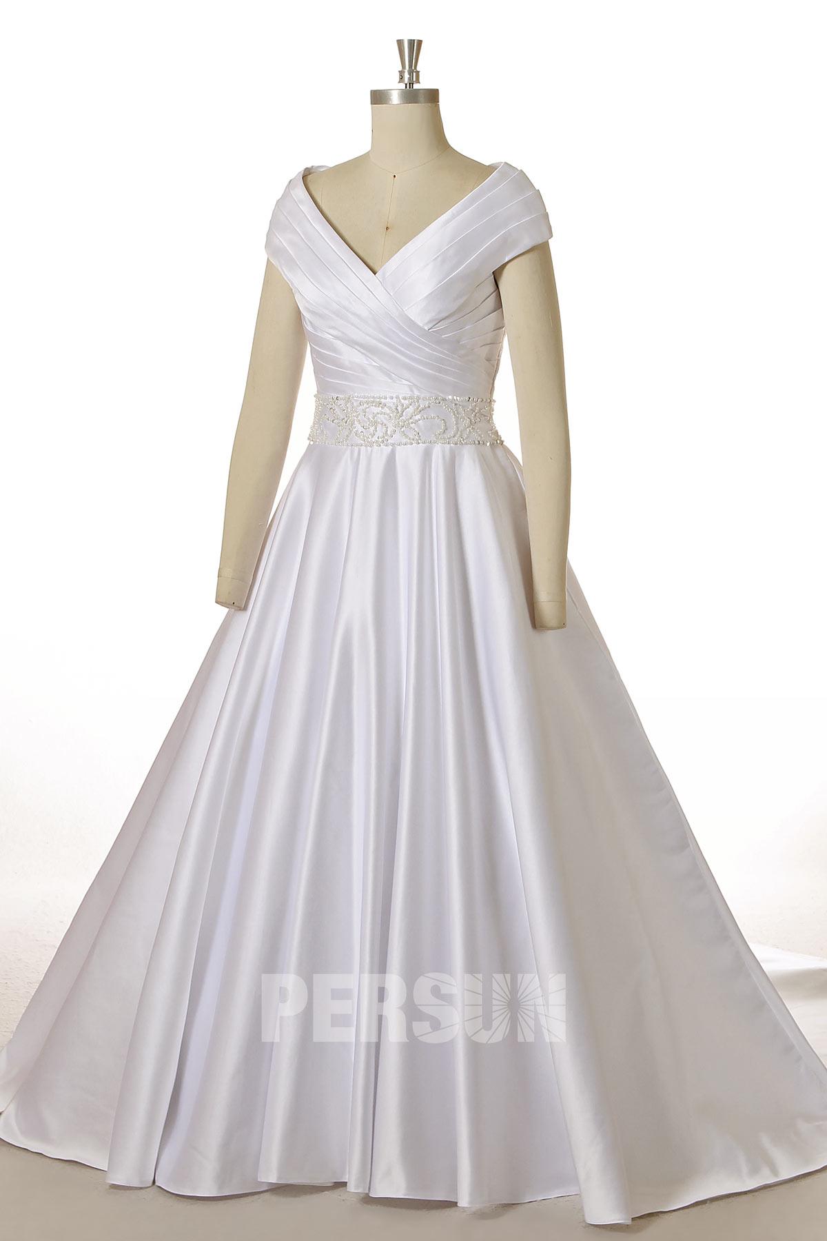 robe de mariée princesse bustier drapé col v taille ornée de bijoux