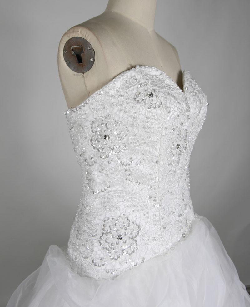 robe de mariée décolleté en coeur en tulle
