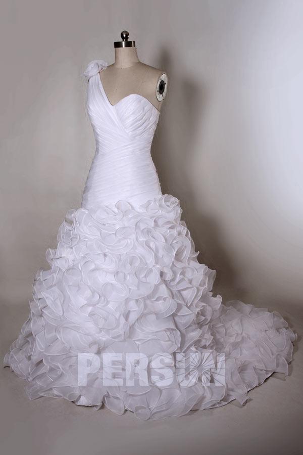 Robe de mariée en organza asymétrique ruchée