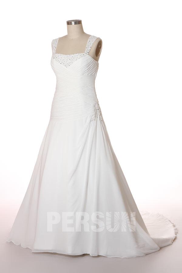robe de mariée grande taille bustier plissé embelli de strass et de bijoux avec traîne chapelle