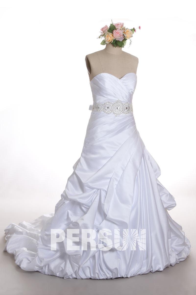 robe de mariée princesse bustier coeur plissé taille embelli de strass et jupe brouillonnée
