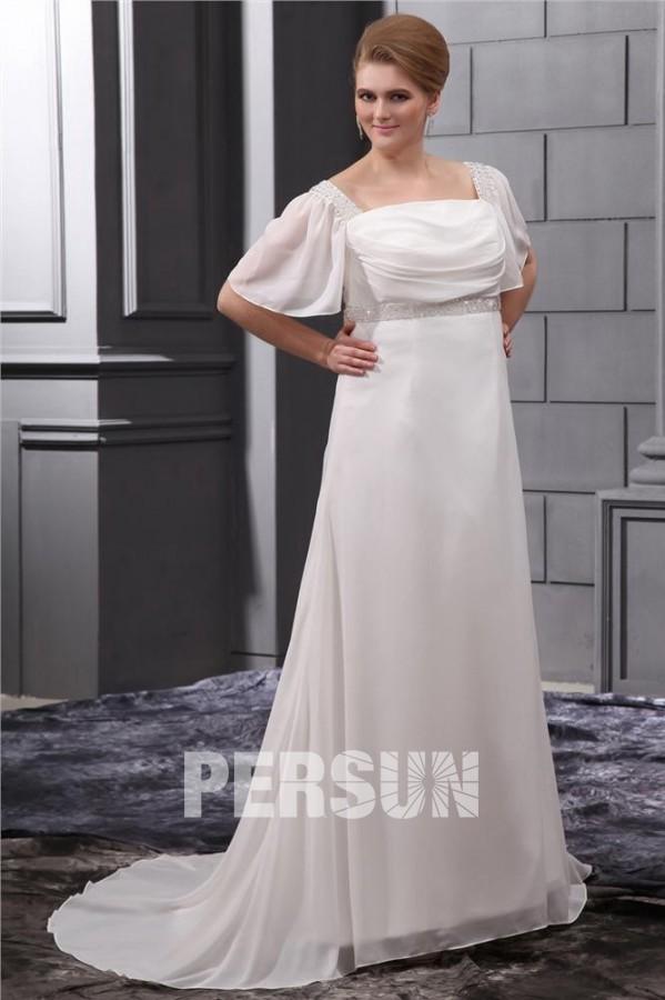 robe de mariée grande taille empire ornée de strass avec manches courtes