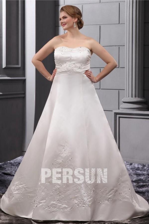 Robe de mariée grande taille en satin bustier pailleté avec broderie