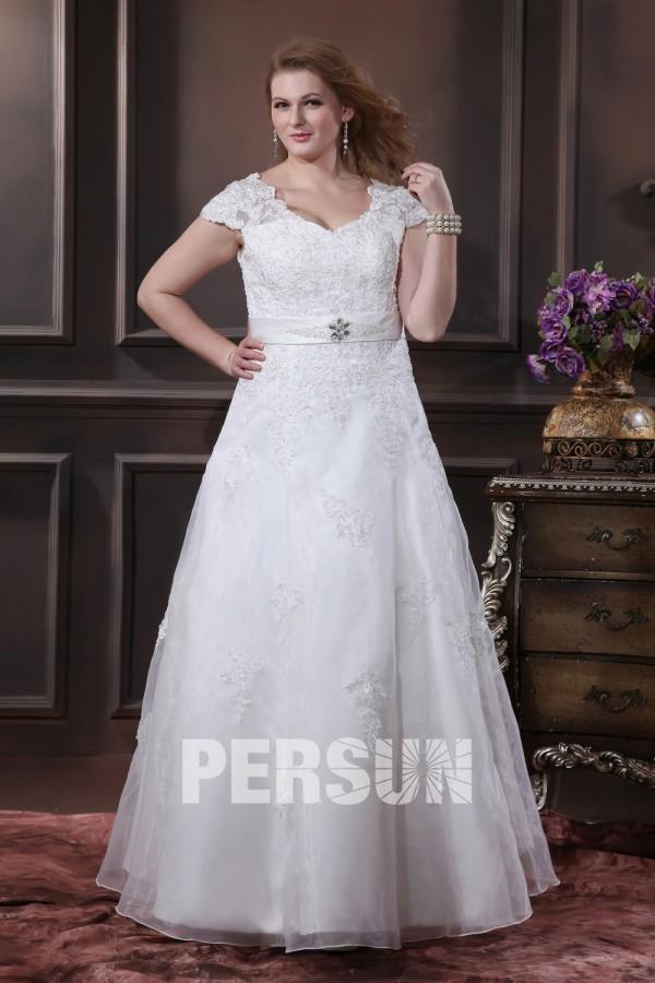 robe mariée grande taille Ligne A col V en organza agrémentée de dentelle