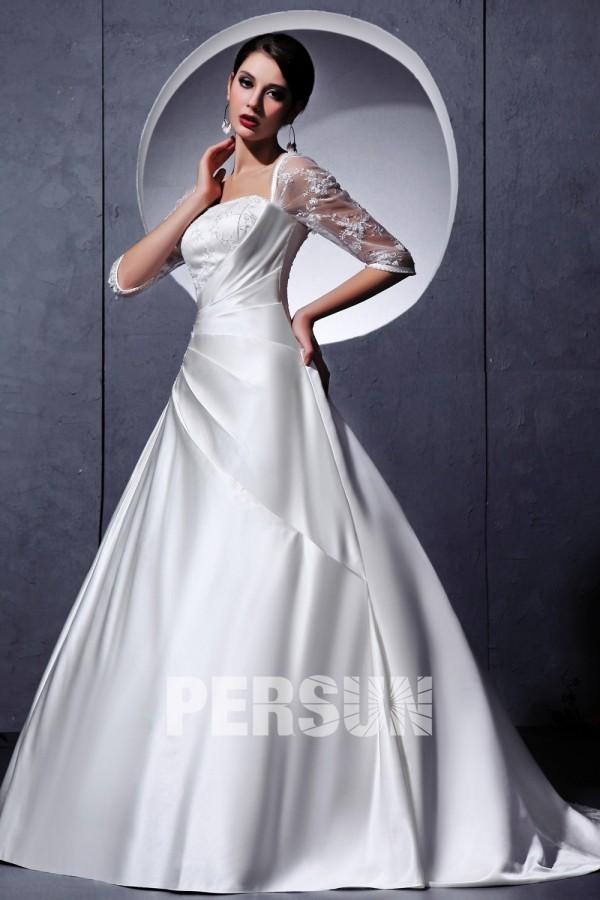 robe de mari e princesse d collet carr en satin orn e de perle broderie. Black Bedroom Furniture Sets. Home Design Ideas