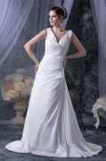 Robe de mariée simple en taffetas décolleté en V