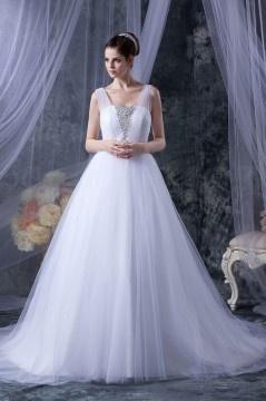 Robe de mariage princesse décoleeté carré avec bretelle en tulle ornée de bijoux