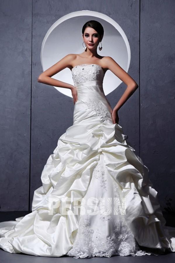 robe de mariée trompette bustier embelli de dentelle et de strass taille drapée jupe brouliionnée