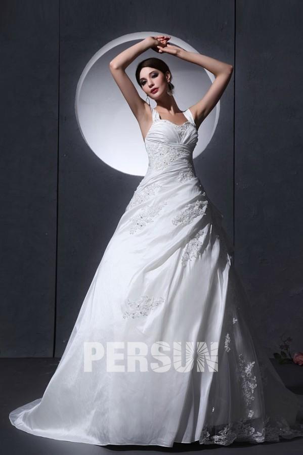 Robe de mariée princesse en taffetas Ligne A décolleté en cœur avec bretelle