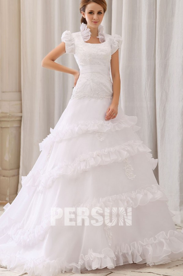 Robe de mariee avec manche courte