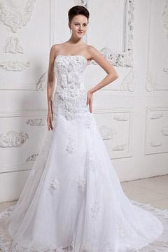Robe de mariée bustier trompette en organza ornée de fleur faite à la main