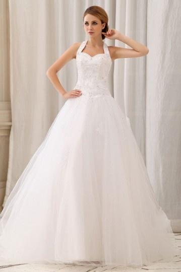Robe longue de mariée décolleté en cœur avec bretelle au cou ornée de applique et paillette