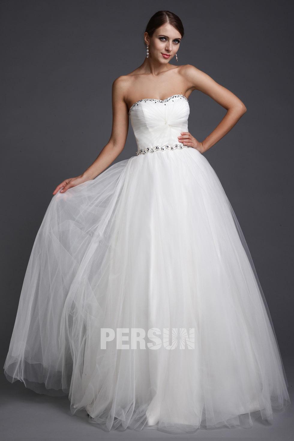blanche robe simple sans bretelle pour mariage