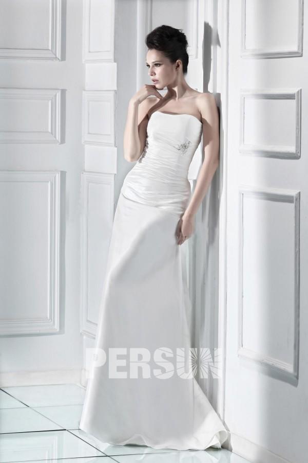 robe de mariée simple bustier plissé embelli de strass