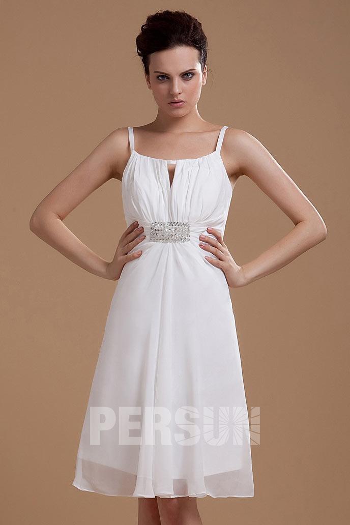 Robe de mariée simple décolleté carré à bretelle fine