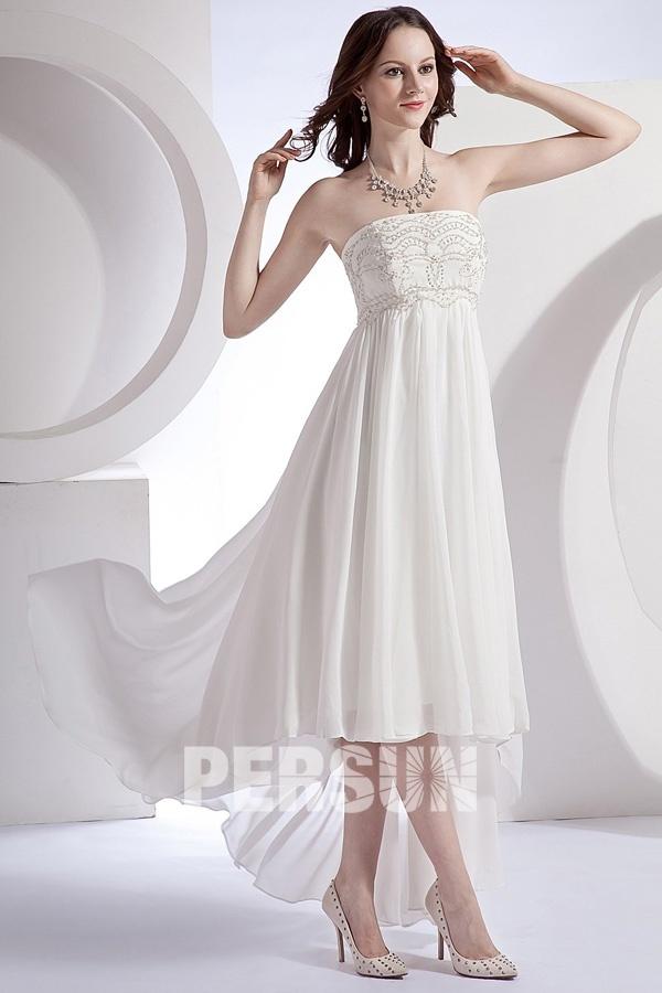 robe de mariée courte devant longue derrière bustier brodé de strass