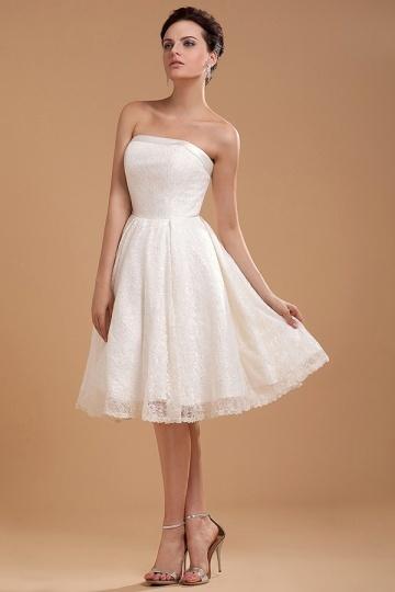 Robe de mariée courte vintage à bustier droit en dentelle