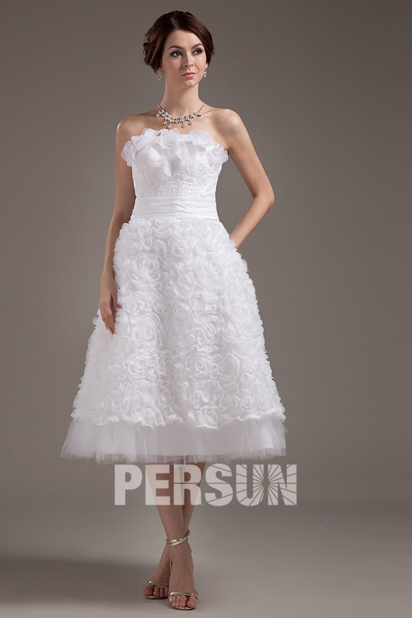 robe de mariée courte bustier embelli de fleur fait-main