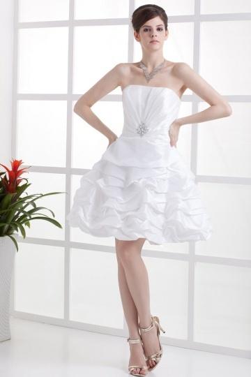 Mini robe bustier ruchée en taffetas ornée de bijoux