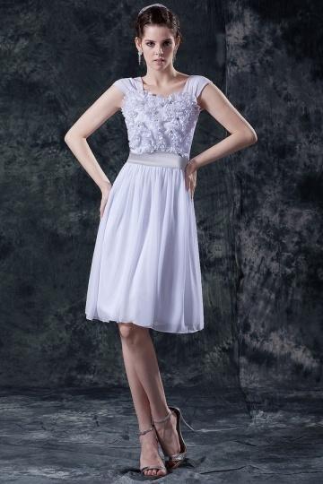 Robe demoiselle d'honneur blanche décolleté carré à froufrou