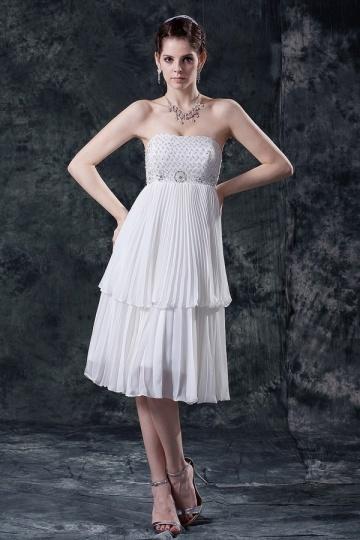 Robe de soirée bustier plissée courte orneé de bijoux
