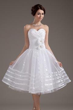Robe de mariée bustier coeur courte ornée de fleurs faites à la main
