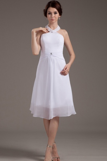 Robe courte blanche simple col ras du cou en mousseline
