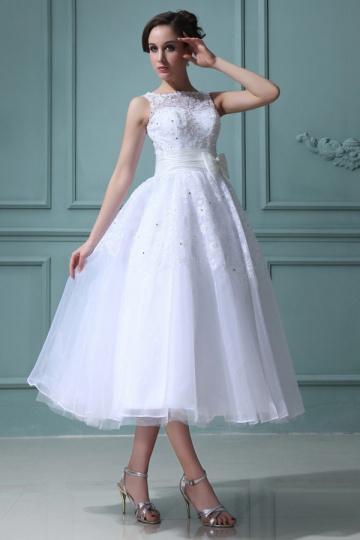 Robe de mariée princesse encolure bateau à noeud papillon