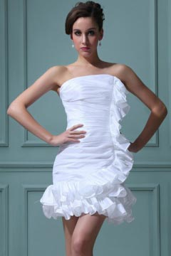 Robe de mariée courte fourreau bustier ruchée en taffetas