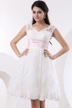 Robe de mariée dentelle à mancheron Empire courte