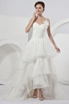 Robe de mariée à une bretelle fine en organza à volant