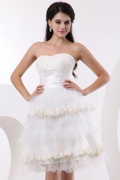 Mini robe de mariée bustier coeur à volant en tulle
